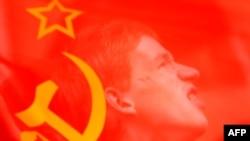 В России есть место для новой коммунистической партии, считают политологи