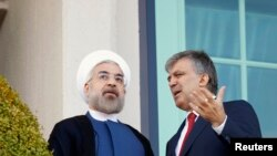 حسن روحانی در کنار عبدالله گل، رئیس جمهور ترکیه