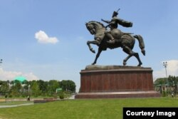 This statue of Amir Timur on horseback by Jabbarov can be seen in Tashkent.
