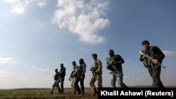 Kurdski borci u blizini Aleppa