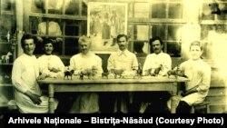 """Primul atelier românesc de jucării """"Păpușa"""", București, 1909-1910."""