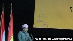 بارزاني يتحدث في مؤتمر الجالية الكردية السورية في الخارجفي المقام في أربيل