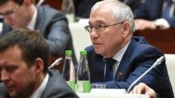 Tatarstan -- Razil Valiev (L), Tatar writer and member of Tatar parliament