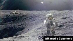 Астронавт Чарльз Дюк Айда жүр. 1972 жыл. (Көрнекі сурет)
