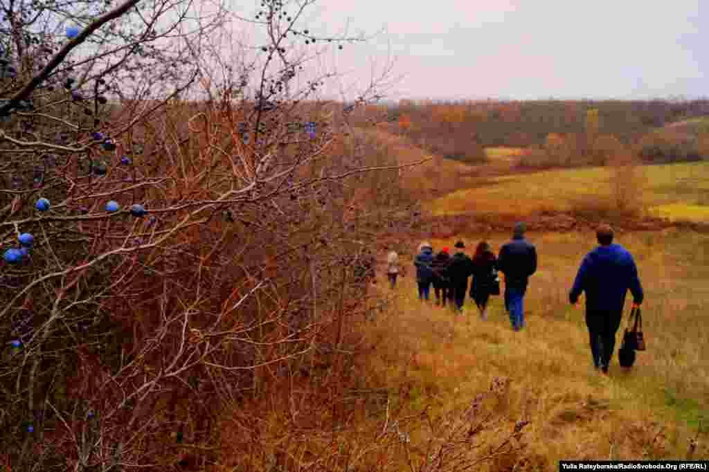 Місцева влада планує створити туристичний маршрут «Стежками Яворницького», але поки жоден об'єкт, пов'язаний із «козацьким батьком», не позначений навіть меморіальною табличкою