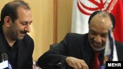 ФИФА-ның бұрынғы қызметкері, Азия футбол федерациясының экс-президенті, Катар азаматы Мұхаммед бин Хаммам (оң жақта) мен Иран спорт ұйымының басшысы Әли Саидлу. Тегеран, 21 желтоқсан 2010 жыл.
