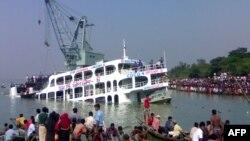Pamje nga një fundosje e mëparshme e tragetit në Bangladesh