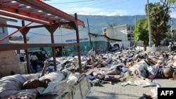 اجساد کشتهشدگان در خیابانهای پورتوپرنس
