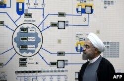 Президент Ирана Хасан Рухани на атомной электростанции в Бушере. Январь 2015 года