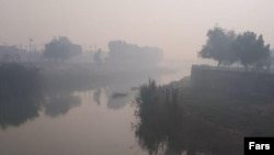 خبرگزاری فارس: دود ناشی از آتشسوزی هورالعظیم در خوزستان حتی به خلیج فارس هم رسیده است