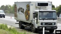 Фургон, в котором нашли задохнувшихся мигрантов