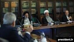 سران قوای سهگانه در شورای عالی هماهنگی اقتصادی در اوائل مرداد ۹۸