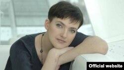Світлини української льотчиці Надії Савченко, яку Росія утримує в СІЗО