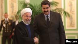 Venesuela prezidenti Nicolas Maduro (sağda) və İran prezidenti Hassan Rohani (Foto arxivdəndir)