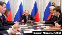 Президент России Владимир Путин проводит совещание по вопросам социально-экономического развития аннексированного Крыма. Ялта, 10 января 2019 года