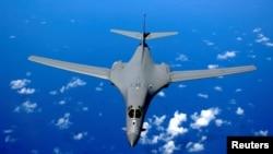 "U vazduhoplovnoj bazi ""Andersen"" na Guamu su stacionirani bombarderi ""B-1B"""