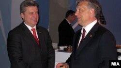 Претседателот Ѓорге Иванов и премиерот на Унгарија Виктор Орбан на Самитот на НАТО во Чикаго, 2012.