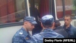 Задержание гражданских активистов на Старом Арбате 19 мая 2012