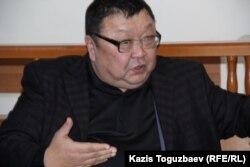 Ермурат Муканов, адвокат гражданского активиста Серикжана Мабеталина, обвиняемого в возбуждении национальной розни.