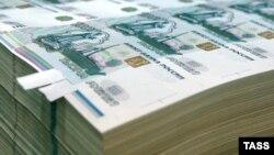 Центробанк выступает за гибкость валютного курса. Рубль от этого пока не выигрывает.