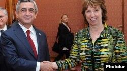 Poland -- Armenian President Serzh Sargsyan and Katrin Eshton meet in Warsaw. 30Sept,. 2011