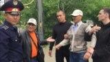 Задержание бывшего сотрудника полиции Альбека Ергазиева после одиночного пикета. Уральск, 31 мая 2018 года.
