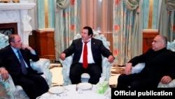 ԲՀԿ, ՀԱԿ և «Ժառանգության» առաջնորդներ Գագիկ Ծառուկյանի, Լևոն Տեր-Պետրոսյանի և Րաֆֆի Հովհաննիսյանի հանդիպումը, 10-ը ապրիլի, 2014թ․