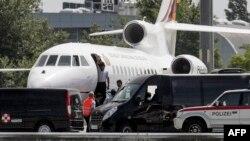 Авионот на боливискиот претседател Ево Моралес принудно слета во Виена во вторникот.