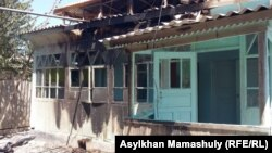 Unknown assailants set two houses and several cars on fire in the village of Dikhan.