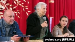 2014 год. Мая Кляшторная падчас дыскусіі пра будаўніцтва Бульбаш-Холу ля Курапатаў.
