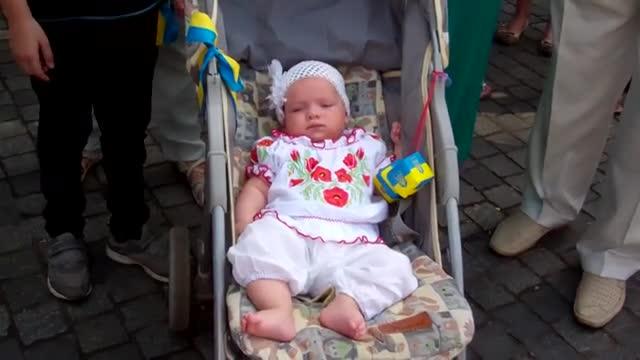 Мегамарш вишиванок у Дніпропетровську