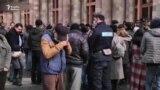 Ermənistanda valideyinlər Qarabağdakı əsgərlərin geri çağırılmasını tələb edirlər