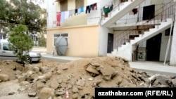 Aşgabat: Gurluşyk galyndylary arassalanmaýar