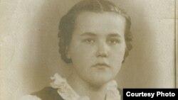 Samiya Khalikova as a young woman in Leningrad