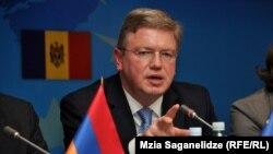 Еврокомиссар по вопросам расширения и европейской политики соседства Штефан Фюле на неформальной встрече «Восточного партнерства» в Тбилиси, 12 февраля 2013 г.