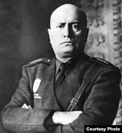 Benito Mussolini, conducătorul Italiei (Foto: Biblioteca Centrală Universitară, Iași)