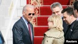 Joe Biden pas arritjes në Ukrainë.