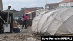 Raseljeni u kampovima Konik već godinama žive u teškim uslovima