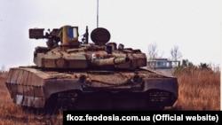 Продукція Феодосійського оптичного заводу для танків, архівне фото