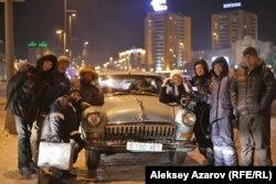 «Өзге планеталықтардың қатысы жоқ» фильмін түсіру тобы. Астана, 21 желтоқсан 2012 жыл.