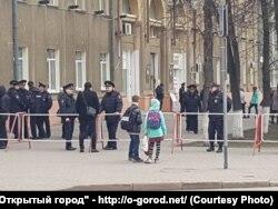 Полиция и ОМОН перекрыли главную площадь Кемерова