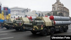 Ілюстративне фото. Зенітно-ракетні комплекси на військовому параді у Києві до Дня Незалежності України, 24 серпня 2016 року