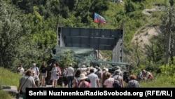 Бойовики угруповання «ЛНР» фактично контролюють весь міст біля Станиці Луганської й мають позицію і на тому березі Сіверського Дінця, що підконтрольний Києву