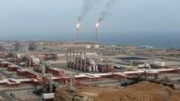 پالایشگاه گاز طبیعی در منطقه پارس جنوبی در عسلویه؛ عکس از بایگانی