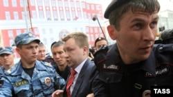 Задержание 25 мая в Москве ЛГБТ-активиста Николая Алексеева