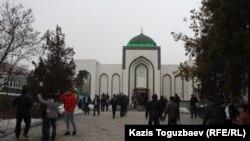 Мечеть в Алматы. 21 марта 2014 года.