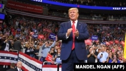 Дональд Трамп на встрече со сторонниками в Орландо