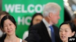 Билл Клинтон и освобожденные журналистки вернулись в Америку