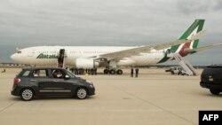 Papa Franja odlazi ka Vašingtonu u Fiatu 500L