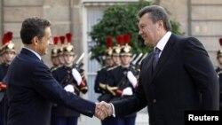 Віктор Янукович та Ніколя Саркозі, Париж, 7 жовтня 2010 року